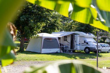 Camping car et tente